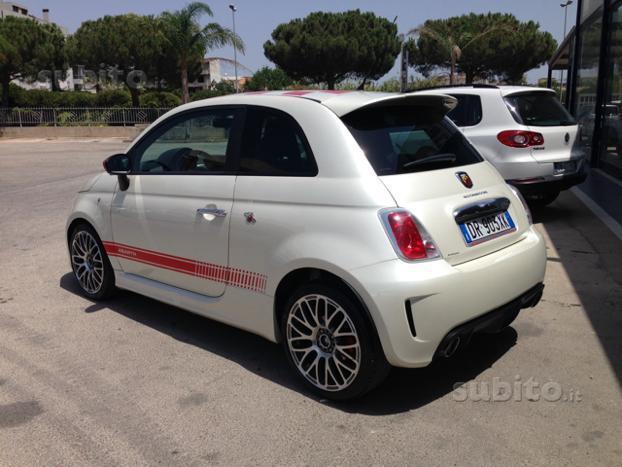 Venduto Fiat 500 Abarth Bianco Perla Auto Usate In Vendita