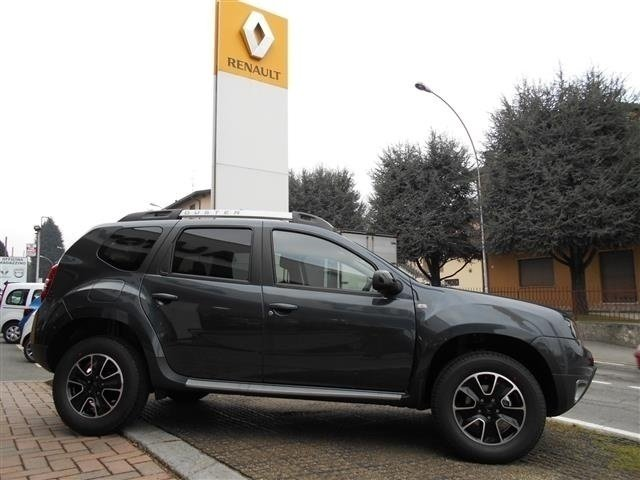 Sold dacia duster 1 6 black shadow used cars for sale for Dacia duster black shadow interni