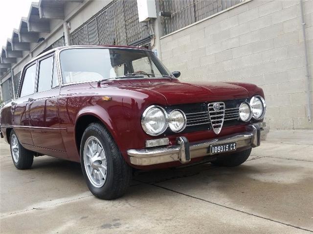 1 4 Usata Alfa Romeo Giulia Super 1600 Biscione