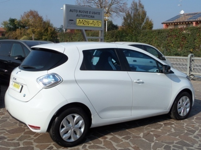 sold renault zoe life q210 used cars for sale autouncle. Black Bedroom Furniture Sets. Home Design Ideas