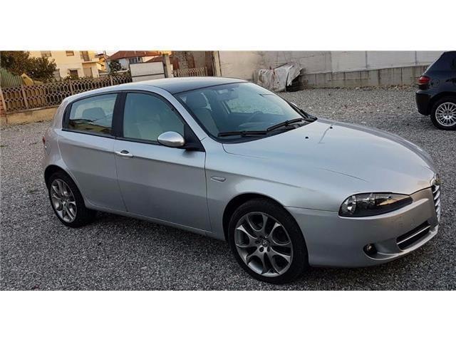 usata Alfa Romeo 147 1.9 JTD M (120) 5 porte Distinctive