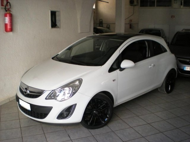 sold opel corsa 1 3 cdti 95cv f ap used cars for sale autouncle. Black Bedroom Furniture Sets. Home Design Ideas