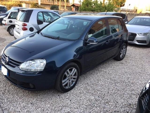 sold vw golf v 1 9 tdi 105 cv used cars for sale autouncle. Black Bedroom Furniture Sets. Home Design Ideas