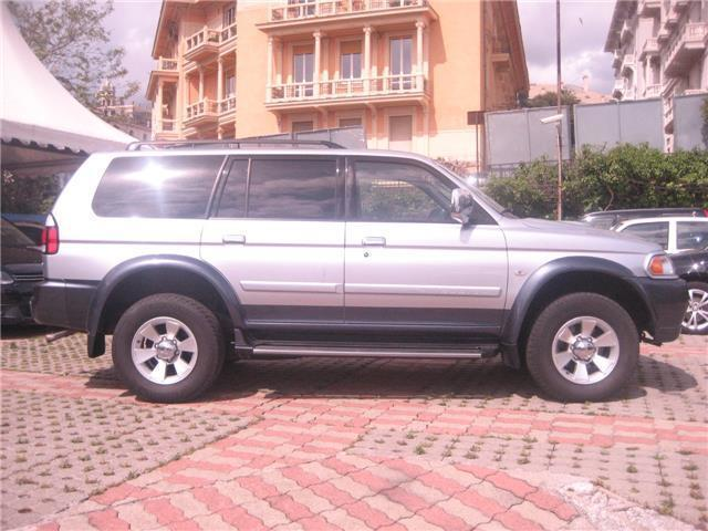 sold mitsubishi pajero sport 2 5 t used cars for sale autouncle. Black Bedroom Furniture Sets. Home Design Ideas