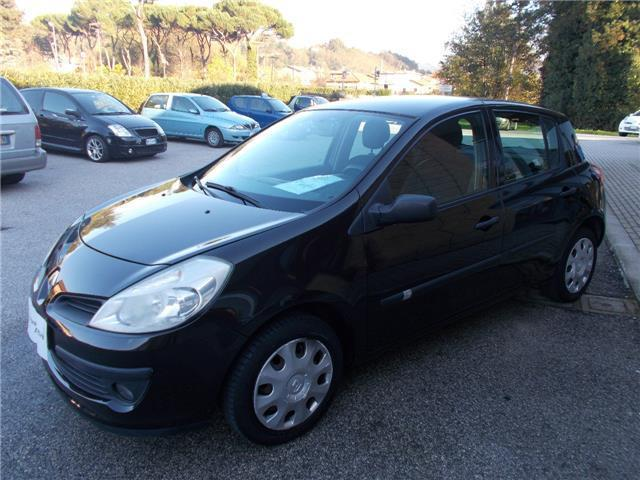 usato 1 5 dci 85cv 5 porte luxe renault clio 2008 km in fornaci di barga. Black Bedroom Furniture Sets. Home Design Ideas