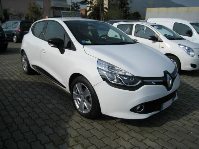 sold renault clio 900 tce 12v 90cv used cars for sale autouncle. Black Bedroom Furniture Sets. Home Design Ideas