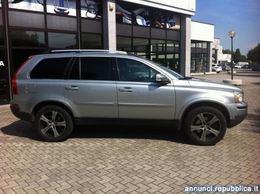 Sold volvo xc90 2 4 d5 awd summum used cars for sale for Interni rivarolo