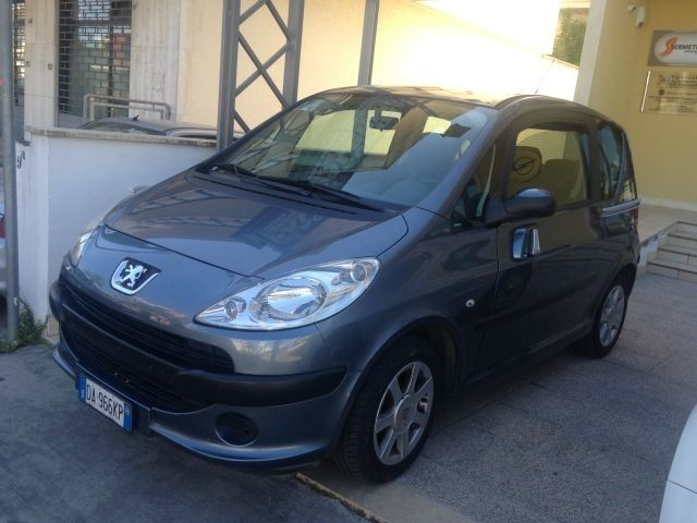 usato 1 4 hdi freddy peugeot 1007 2006 km in lecce le. Black Bedroom Furniture Sets. Home Design Ideas