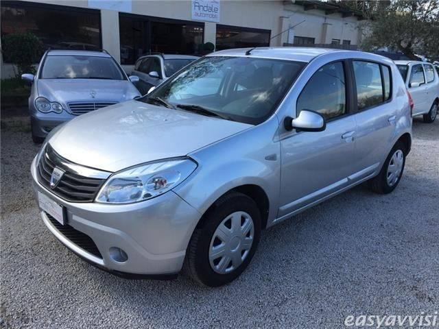 sold dacia sandero 1 4 gpl laureat used cars for sale autouncle. Black Bedroom Furniture Sets. Home Design Ideas