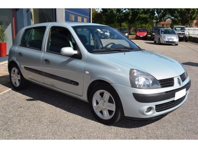 sold renault clio 1 5 dci 100cv ca used cars for sale autouncle. Black Bedroom Furniture Sets. Home Design Ideas