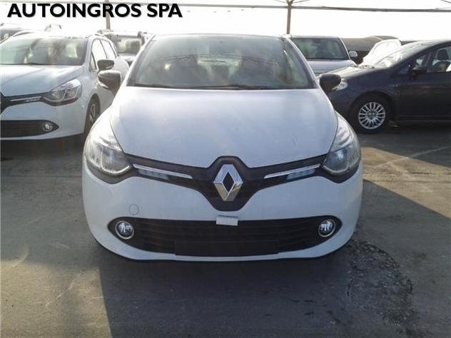 sold renault clio 900 tce 90cv 5 p used cars for sale autouncle. Black Bedroom Furniture Sets. Home Design Ideas