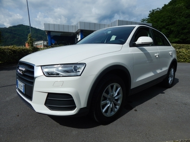 venduto audi q3 2 0 tdi business xenon auto usate in vendita. Black Bedroom Furniture Sets. Home Design Ideas