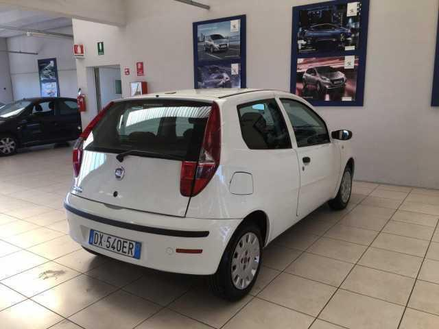 sold fiat punto 1 2 3p active gpl used cars for sale autouncle. Black Bedroom Furniture Sets. Home Design Ideas