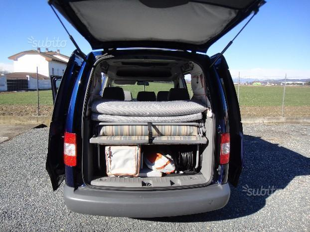sold vw caddy tramper beach used cars for sale autouncle. Black Bedroom Furniture Sets. Home Design Ideas