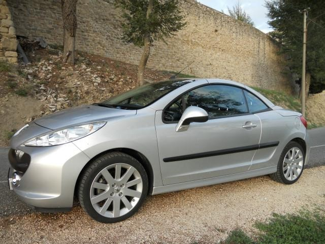 sold peugeot 208 cc cabrio coupe 39 used cars for sale. Black Bedroom Furniture Sets. Home Design Ideas
