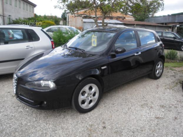 usato jtdm 120cv 5 porte alfa romeo 147 2007 km in torino. Black Bedroom Furniture Sets. Home Design Ideas