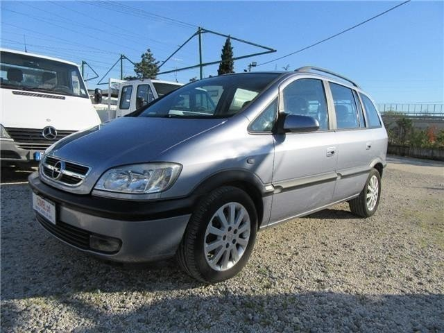 usato usata 2004 opel zafira 2004 km in prato po. Black Bedroom Furniture Sets. Home Design Ideas