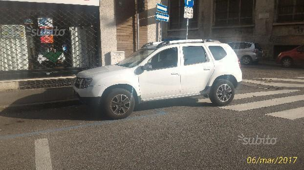 sold dacia duster 1 2 tce 125 4x2 used cars for sale autouncle. Black Bedroom Furniture Sets. Home Design Ideas