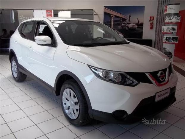 sold nissan qashqai visia 1 2 dig used cars for sale autouncle. Black Bedroom Furniture Sets. Home Design Ideas