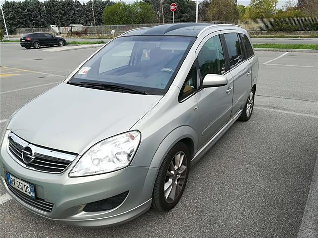 sold opel zafira 1 6 16v vvt cosmo used cars for sale autouncle. Black Bedroom Furniture Sets. Home Design Ideas