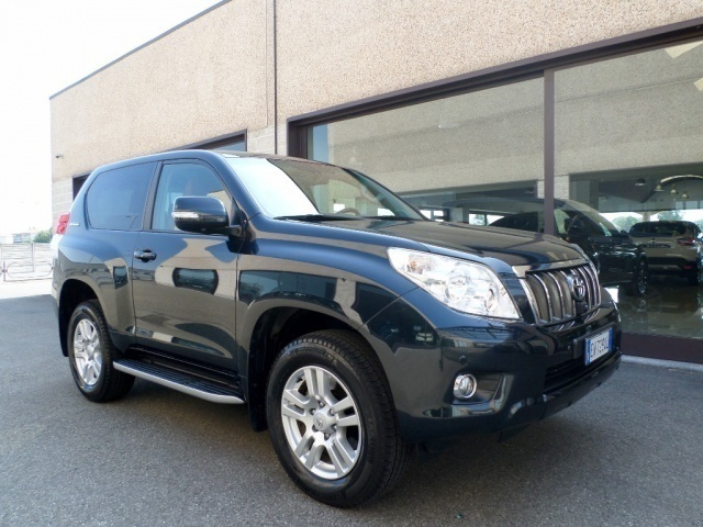 sold toyota land cruiser 3 0 d4 d used cars for sale autouncle. Black Bedroom Furniture Sets. Home Design Ideas