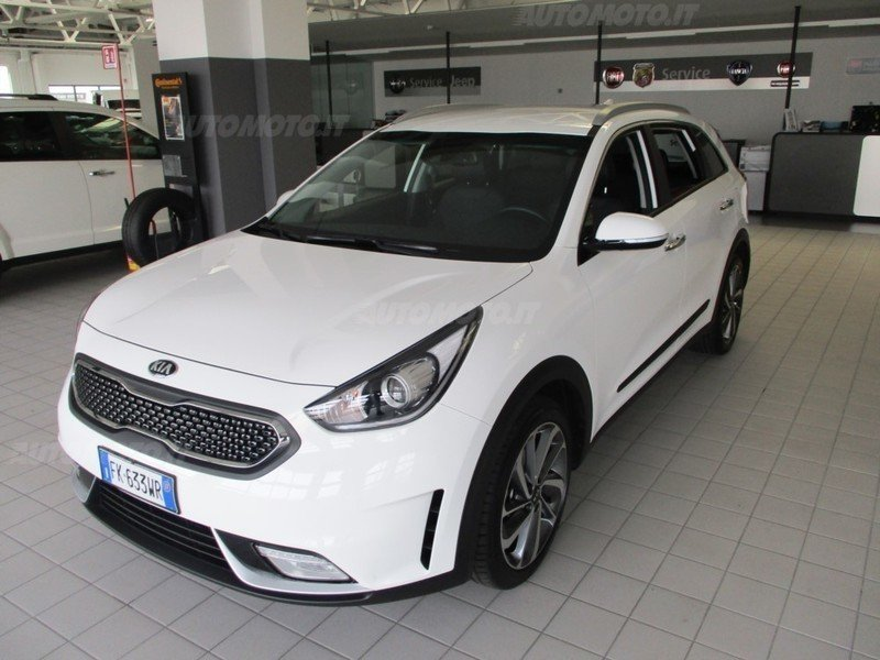 sold kia niro 1 6 gdi dct hev style used cars for sale autouncle. Black Bedroom Furniture Sets. Home Design Ideas