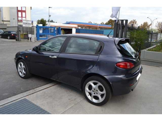 sold alfa romeo 147 1 9 jtd 115 c used cars for sale autouncle. Black Bedroom Furniture Sets. Home Design Ideas