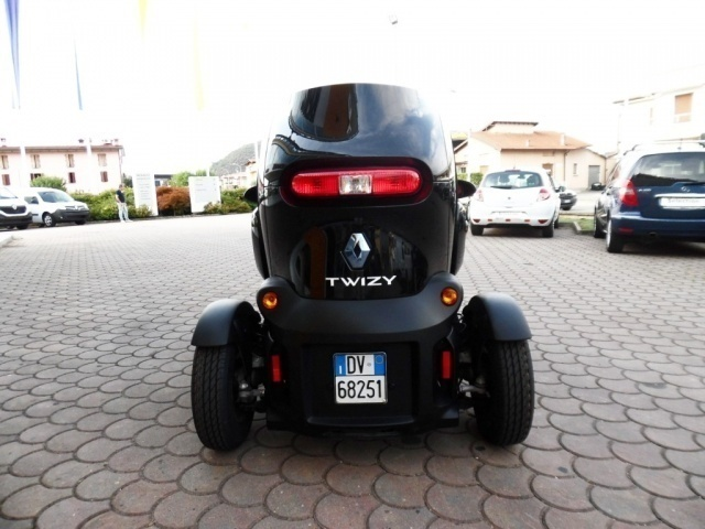 sold renault twizy color 80 occasi used cars for sale autouncle. Black Bedroom Furniture Sets. Home Design Ideas