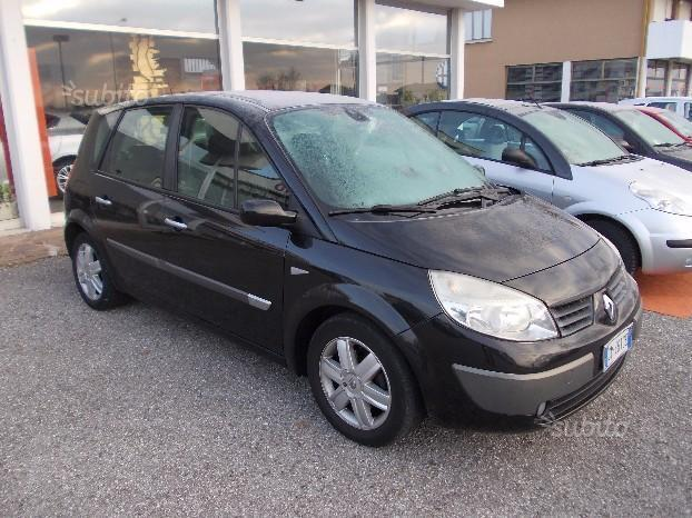 sold renault sc nic 1 5 dci 2004 used cars for sale autouncle. Black Bedroom Furniture Sets. Home Design Ideas