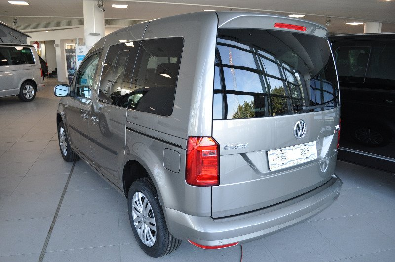 sold vw caddy 2 0 tdi 122 cv 4moti used cars for sale autouncle. Black Bedroom Furniture Sets. Home Design Ideas