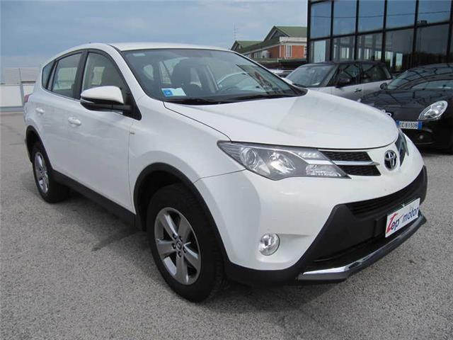 sold toyota rav4 2 0 d 4d 2wd acti used cars for sale autouncle. Black Bedroom Furniture Sets. Home Design Ideas