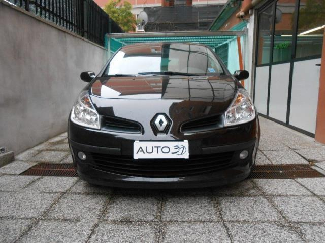 sold renault clio iii 1 5 dci 85cv used cars for sale. Black Bedroom Furniture Sets. Home Design Ideas