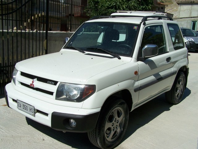 sold mitsubishi pajero pinin 1 8 1 used cars for sale autouncle. Black Bedroom Furniture Sets. Home Design Ideas