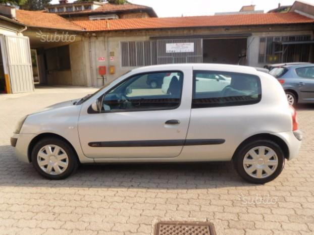 sold renault clio 1 5 dci 65cv cat used cars for sale. Black Bedroom Furniture Sets. Home Design Ideas