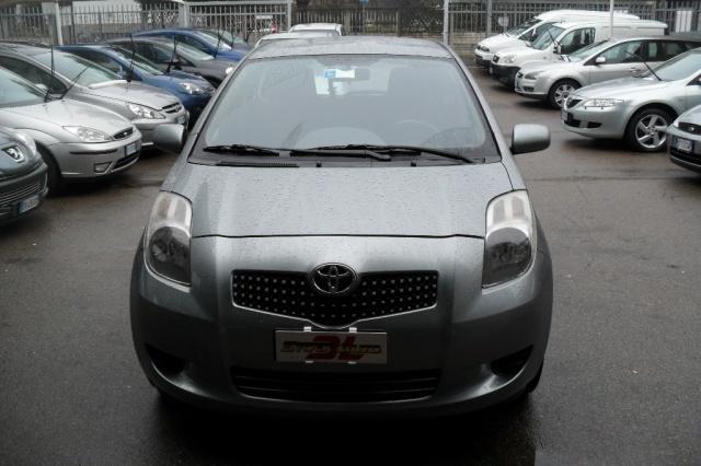 usata Toyota Yaris 1.0 5 porte
