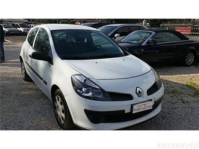 sold renault clio 1 5 dci van 85cv used cars for sale. Black Bedroom Furniture Sets. Home Design Ideas