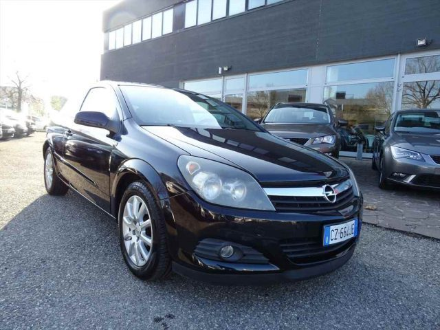 sold opel astra gtc 1 9 cdti 120cv used cars for sale autouncle. Black Bedroom Furniture Sets. Home Design Ideas