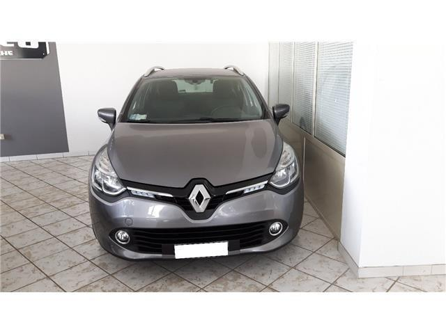 sold renault clio autocarro 4 post used cars for sale. Black Bedroom Furniture Sets. Home Design Ideas