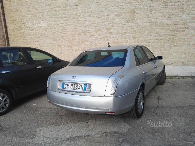 lancia thesis 2.4 jtd emblema 2003 lancia thesis 24 20v jtd this vehicle has a 4 door saloon (sedan) type body with a front located engine driving through the front wheels it is powered by a turbocharged engine of 24 litre capacity.