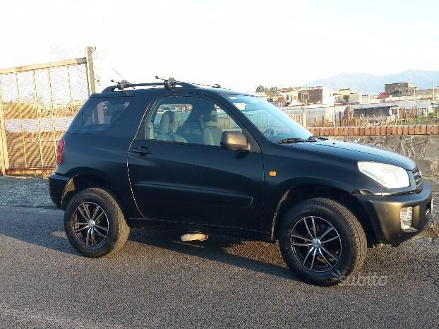 sold toyota rav4 gpl 3 porte 2002 used cars for sale autouncle. Black Bedroom Furniture Sets. Home Design Ideas
