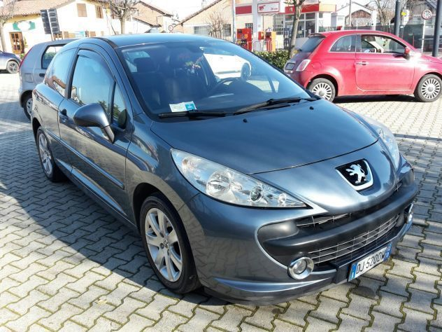 sold peugeot 207 hdi 90cv 3p xs d used cars for sale autouncle. Black Bedroom Furniture Sets. Home Design Ideas