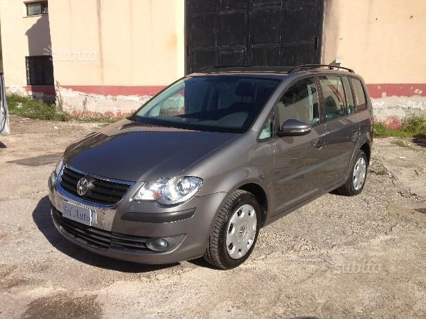 sold vw touran 1 4 tsi ecofuel 150 used cars for sale autouncle. Black Bedroom Furniture Sets. Home Design Ideas