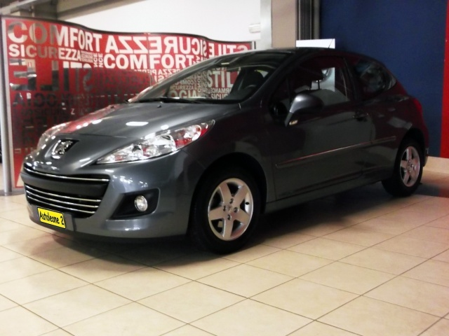 sold peugeot 207 1 4 hdi 70cv 5p used cars for sale autouncle. Black Bedroom Furniture Sets. Home Design Ideas