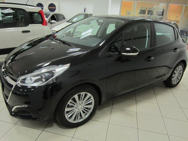 sold peugeot 208 nuova 1 6 hdi 75 used cars for sale autouncle. Black Bedroom Furniture Sets. Home Design Ideas