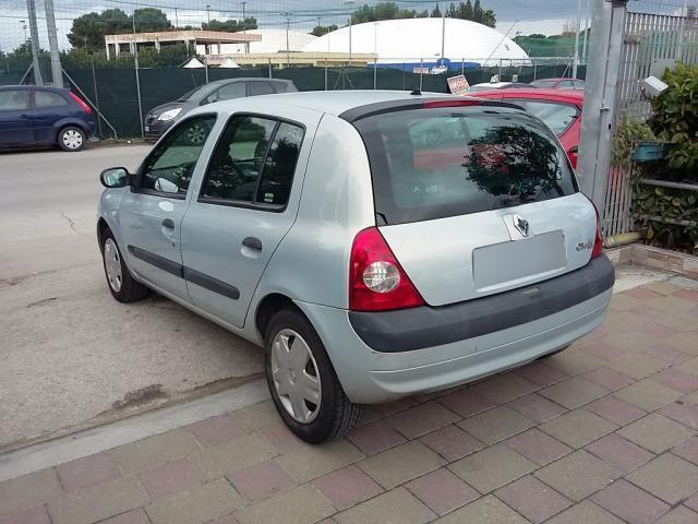 sold renault clio 1 5 dci 65cv 5 p used cars for sale autouncle. Black Bedroom Furniture Sets. Home Design Ideas