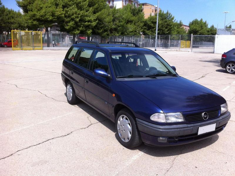 sold opel astra sw 1 7 td 1 7 td used cars for sale autouncle. Black Bedroom Furniture Sets. Home Design Ideas