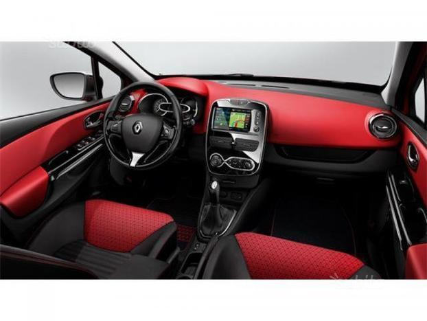 sold renault clio sporter 900 tce used cars for sale autouncle. Black Bedroom Furniture Sets. Home Design Ideas