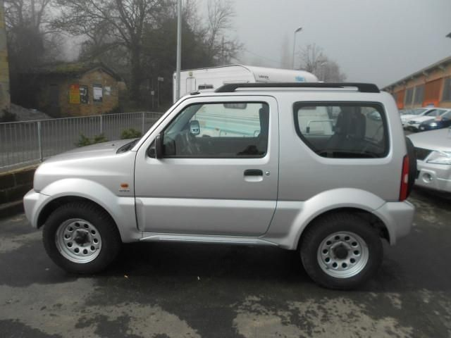usato 16v cat 4wd jx suzuki jimny 2006 km in serramazzoni mo. Black Bedroom Furniture Sets. Home Design Ideas