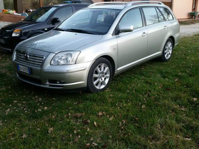 sold toyota avensis 2 2 d4d sw gri used cars for sale autouncle. Black Bedroom Furniture Sets. Home Design Ideas