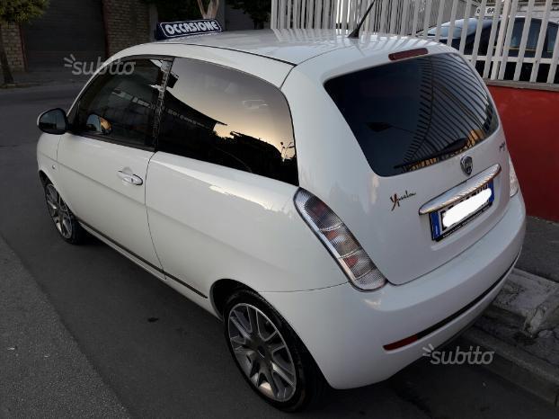 venduto lancia ypsilon momo design 1.. - auto usate in vendita